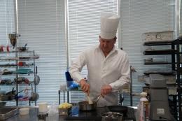 「クリストフ・フェルデールに学ぶデザートの世界」を開催しました。