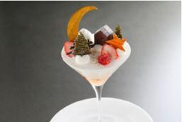 銀座メゾン アンリ・シャルパンティエに、クリスマスの煌びやかなデセールが登場!